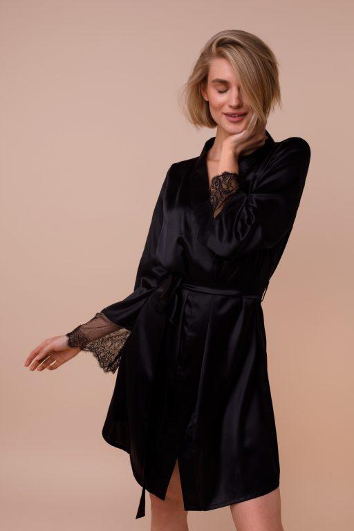 Robe With Lace