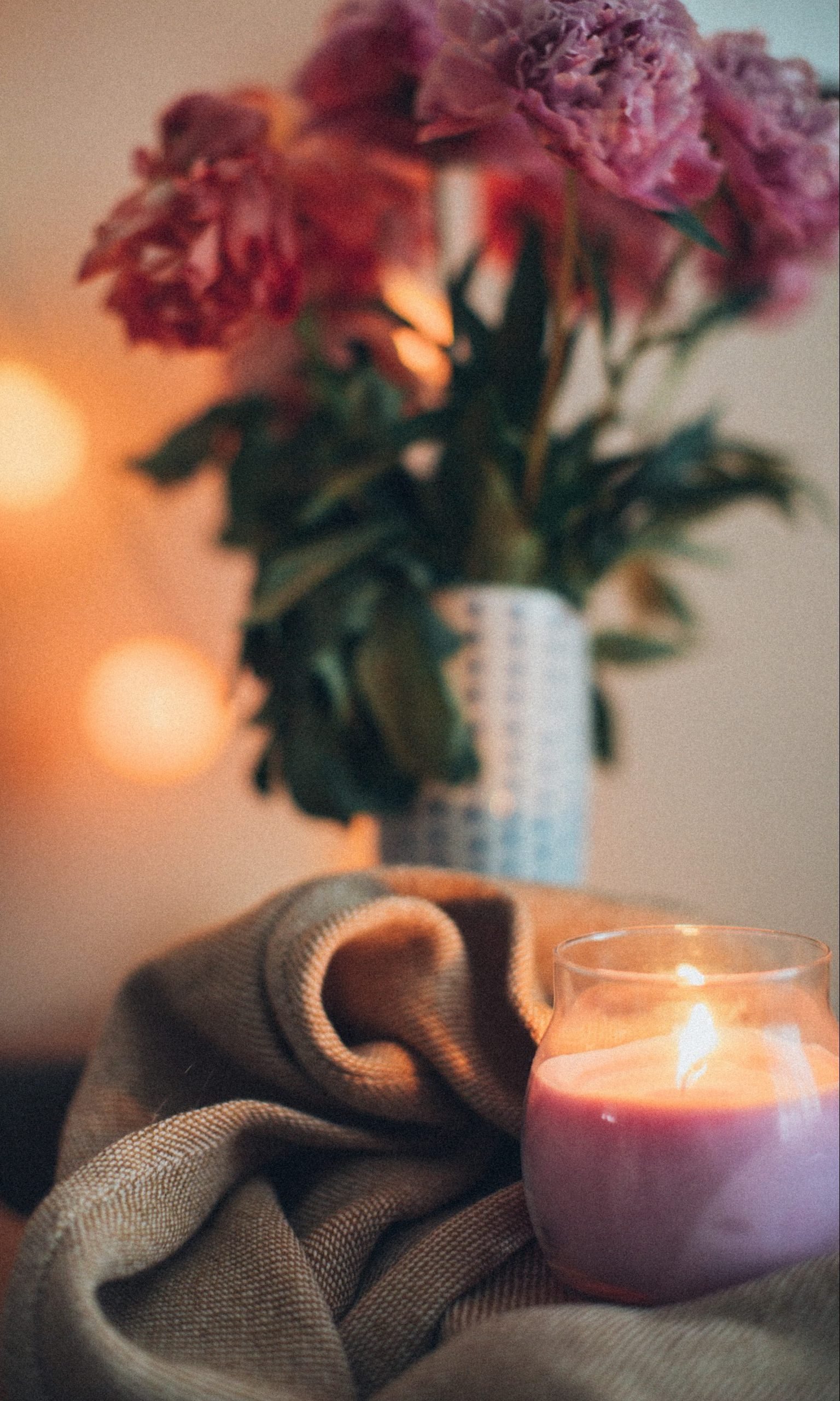 8 For a Date. 8 Things You Absolutely Need for a Romantic Night At Home